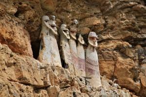 chachapoya-sarcophagi